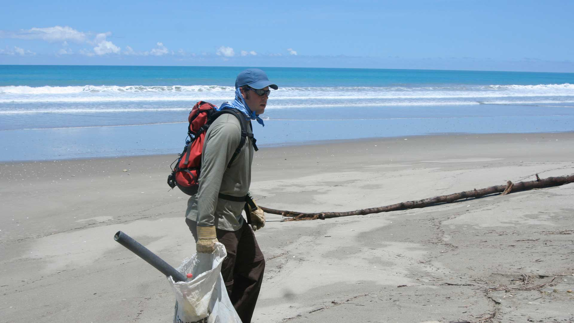 Beach Clean-up and Permaculture on the Ecuadorian Coast
